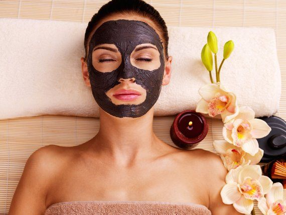Chăm sóc da với nạ thải độc Black Charcoal
